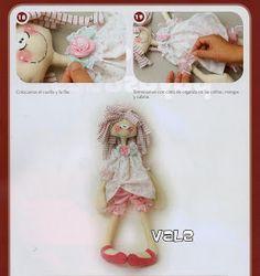 como hacer ositos de tela - Revistas de manualidades gratis Album, Doll, Fabric Dolls, Organza Ribbon, Fabric Toys, Free Downloads, Cloth Art Dolls, Ribbons, Cushions