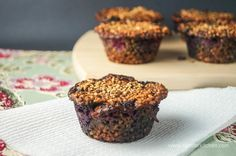 Steel Cut Oatmeal Muffins only 150 calories and can be customized with any toppings you like, 4 weight watchers points plus
