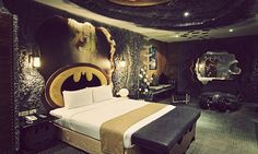a place where you can fuck your robyn  - http://www.hypeness.com.br/2012/10/hotel-do-batman/