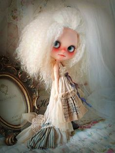 Special Edition Wonderland ver 2 custom ooak dress for blythe doll by Antique Designs
