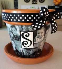 57 Trendy sewing gifts for grandma pictures Flower Pot Crafts, Clay Pot Crafts, Diy Crafts, Diy Clay, Painted Clay Pots, Painted Flower Pots, Diy Gifts For Grandma, Vases, Decorated Flower Pots