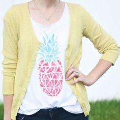 Make this adorable pineapple tee by using a takeout box as a one-of-a-kind stamp!