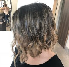 Inverted bob Mid Length Bobs, Monochrome Interior, Inverted Bob, Loft Style, Hairdresser, Hair Inspiration, Hairstyle, Long Hair Styles, Beauty