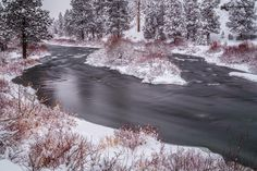 Winter on the Deschutes River in Bend, Oregon. ------------------------- @extreme_oregon