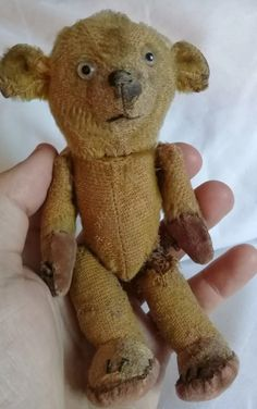 Crochet Stuff Bears Patterns Oh I loved this little old old Bear but no capacity for another rescue Bear. Old Teddy Bears, Antique Teddy Bears, My Teddy Bear, Antique Toys, Vintage Toys, Teddy Bear Crafts, Ted Bear, Love Bear, Bear Doll