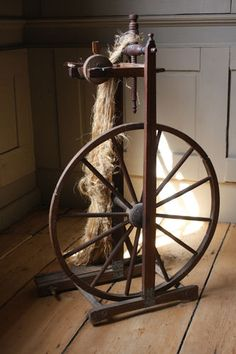 RARE 1760 Museum Quality Upright 18th C Flax Spinning Wheel Maine Provenance