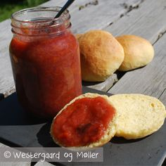 Rabarber/blomme marmelade - Mad for Madelskere