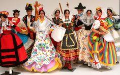 Fantastic collection of Spanish Marin Chiclana Dolls in regional costumes Spanish Costume, Spanish Dress, Spanish Art, Art Costume, Costumes, Ever After Dolls, Flamenco Dancers, Clothespin Dolls, Fine Art Photo