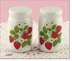 mccoy pottery with strawberries | 3671 – MCCOY POTTERY – STRAWBERRY COUNTRY SHAKER SET - $30.00