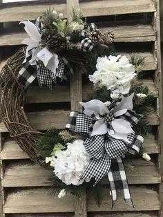 Christmas Wreaths, Winter Wreaths, Christmas Decorations, Spring Wreaths, Greenery Wreath, Grapevine Wreath, Beauty Elegant, Country Wreaths, Outdoor Wreaths