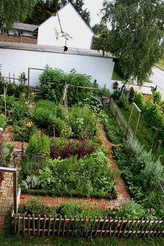 "Garden with brick ""floor"" More #potagergarden #herbgardendesign #vegetablegardeningdesign"