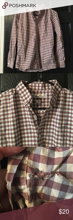 Southern Point button down Burgundy and gray checkered button down. Small repaired near left cuff (I'm no seamstress 😞). Barely noticeable! Looks great with the Columbia vest I have in my closet! Southern Point Shirts & Tops Button Down Shirts