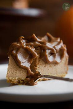 Vegan pumpkin cheesecake with caramel glaze