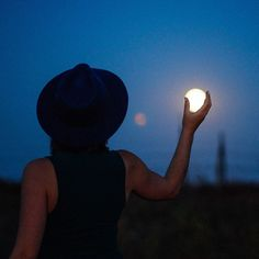 You are another me | raisajulianne:   Molly and the moon. #moon...