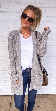 fall outfits 2019 27 Casual Fall Ready Outfit 2019 Summer is almost end, and it is our time to welcome the fall. Fall is always filled with endless outfit ideas. Cardigan Outfits, Long Cardigan, Winter Cardigan Outfit, Slouchy Cardigan, Cardigan Sweaters, Casual Fall Outfits, Fall Winter Outfits, Casual Winter, Feminine Fall Outfits