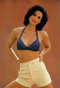 Courtney Cox Pics Of My Top Ten Smash List In 2019 Courtney Cox Short Hair Styles Actresses