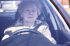 Hipo… ¿qué? El examen del sistema auditivo es muy importante a la hora de renovar el carné de conducir, dado que el oído es el órgano responsable no solo de la audición, sino también del equilibrio...