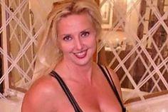 Mom Kicked Out Of Water Park for Her Bikini [Pics] Quentin Tarantino, Diy Quilling, Secret Hiding Places, Hiding Spots, Les Croquettes, Bikini Pictures, Bikini Pics, Cornhole Set, Swimming Holes