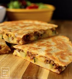 Cheeseburger Quesadillas are quick, fun, and finger lickin' good! This easy dinner recipe goes from fridge to table in under 30 minutes. Healthy Summer Recipes, Lunch Recipes, Beef Recipes, Dinner Recipes, Cooking Recipes, Beef Meals, Restaurant Recipes, Pizza Recipes, Easy Recipes