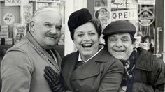 'Open All Hours': Ronnie Barker, Lynda Baron and David Jason on set The Two Ronnies, Ronnie Corbett, Ronnie Barker, Open All Hours, David Jason, Only Fools And Horses, Anthology Series, British Comedy, Comedy Tv