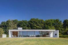 MO architecten · House by the lake