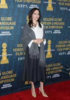 Angelina Jolie pictures and photos Angelina Jolie Pictures, Golden Globes, American, Glamour, Street Style, Formal Dresses, Celebrity, Photos, Fashion