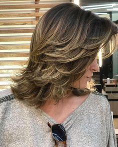 medium long highlights like this please Haircuts For Medium Hair, Medium Hair Styles, Curly Hair Styles, Medium Layered Hair, Bambi, Hair Dos, Gorgeous Hair, Hair Hacks, Hair Lengths