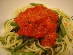 Raw tomato marinara - check out that vibrant color! I saw a recipe that uses 1/2 c. dried tomato in place of the carrots, sounds even better.