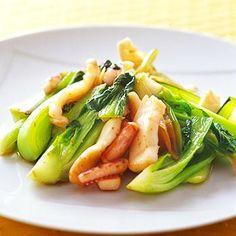 レタスクラブの簡単料理レシピ さっぱり味の中華炒め「いかとチンゲンサイ炒め」のレシピです。