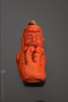 Antiguo snuff chino tallado en Coral con forma de Bestia. Antique chinese snuff carved Coral - Foto 1