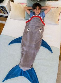 Let your child imagine they are the fiercest predator in the sea or simply just a fish among the fleet with the Blankie Tails® Shark Blanket. Blankie Tails® are made from premium-grade, dou Shark Tail Blanket, Mermaid Tail Blanket, Mermaid Tails, Mermaid Blankets, Shark Mermaid, Baby Mermaid, Sewing Crafts, Sewing Projects, Knitting Projects