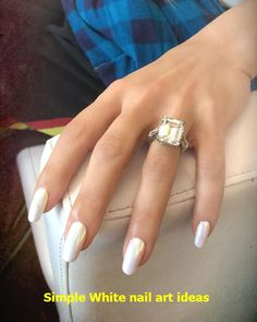chrome nails s pearl-chrome manicure has just the right amount of bling. Read on find out exactly how to get the look for yourself this summer. White Chrome Nails, Chrome Nail Polish, White Nail Polish, White Nail Art, White Nails, Black Nails, White Sparkle Nails, White Manicure, Gold Nails