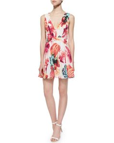 ALICE AND OLIVIA Cayden Gathered V-Neck Floral Dress, Multicolor. #aliceandolivia #cloth #