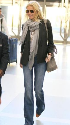 We have rounded up our favorite airport travel looks from celebrity moms Gwyneth Paltrow, Jessica Alba and Kate Hudson, to help you find looks chic and comfy.