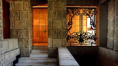 Ennis House / 2607 Glendower Ave, Los Angeles, California / 1924 / Textile Block / Frank Lloyd Wright