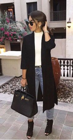 super long coat and simple outfit.