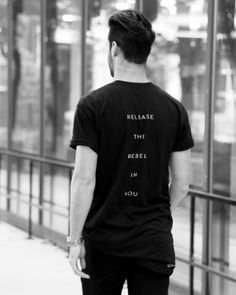 Minimal, modern and comfortable; never goes out of fashion. WWW.OCEANREBEL.NET #ocean #rebel #fitness #men #streetstyle #street #outfitoftheday #photooftheday #photo #photography #photoshoot #fashion #fashionblogger #fashionista #blogger #blog #blackandwhite #black #model #streetwear #starbucks #ootd #fit #modern #minimalist #instagood #life #love #happy #coffee
