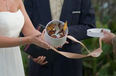 10 Ways to Honor Loved Ones at Your Wedding | Part 2 - Aisle Perfect ®