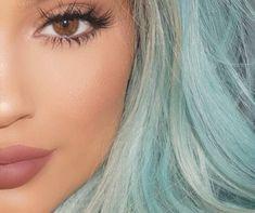 kylie jenner criss cross eyelashes-fake lashes tips-look.co.uk