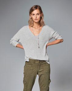 Shaker Ribbed V-Neck Sweater in Grey