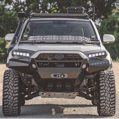 Nice looking Toyota Toyota Tacoma, Toyota 4runner Trd, Toyota 4x4, Toyota Trucks, Toyota Tundra, Suv Trucks, Jeep Truck, Cool Trucks, Carros Toyota
