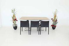 """Tisch """"Industry"""", Eiche in Kombination mit den Stühlen """"Vita"""" in schwarz"""