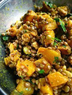 Lentilles au curry, à la courge butternut et aux noix de grenoble / Lentils with curried butternut squash and ...