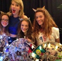 Taylor and fans in Loft '89 London
