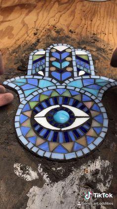 Mosaic Garden Art, Mosaic Pots, Mosaic Tiles, Mosaic Artwork, Mosaic Wall Art, Mosaic Glass Art, Mosaic Art Projects, Mosaic Crafts, Mosaic Designs