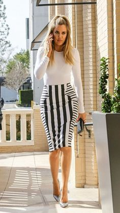 Work 9 to 5, afterwards happy hour it is! Classic black and white striped design. FABRIC CONTENT 95% POLYESTER 5% ELASTANE MADE IN THE U.K. RUNS SMALL