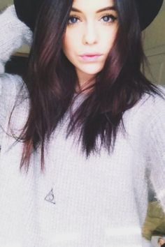 Guys Acacia doing a live stream on twitter right now! The link is http://twitcam.com/fxtnc
