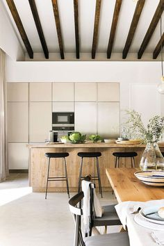 〚 Natural materials and beautiful shades of green: holiday villa in Mallorca 〛 ◾ Photos ◾ Ideas ◾ Design #modern #natural #kitchen #Homedecor #interiordesign #Ideas #inspiration #tips #cozy #Living #style #space #home #decor #interior Rustic Chic, Modern Rustic, Charming House, Provence Style, Concrete Design, Cuisines Design, Kitchen Pantry, Shades Of Green, My Dream Home