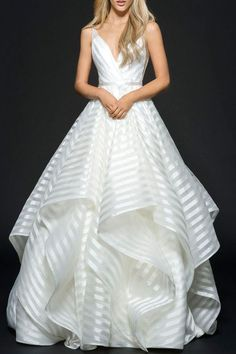 Generous A-Line Deep V-Neck Sleeveless Backless Stripes Bowknot Organza Wedding Dress TN0092