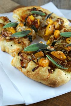 Pumpkin Caramelized Onion Pizza from @Lisa |Authentic Suburban Gourmet